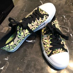 Just Be Canvas Tennis Shoes. Size 9.